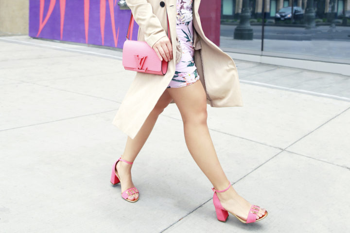 Fashion Blogger An Dyer wearing Pink Louis Vuitton Louise Corail Clutch and Talbots Pineapple Sandals