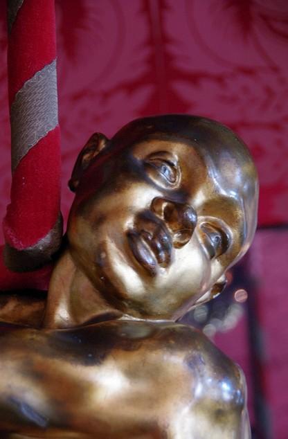 tete statue