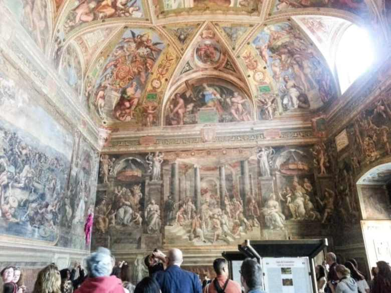 The frescoes inside the first room of Raphael.