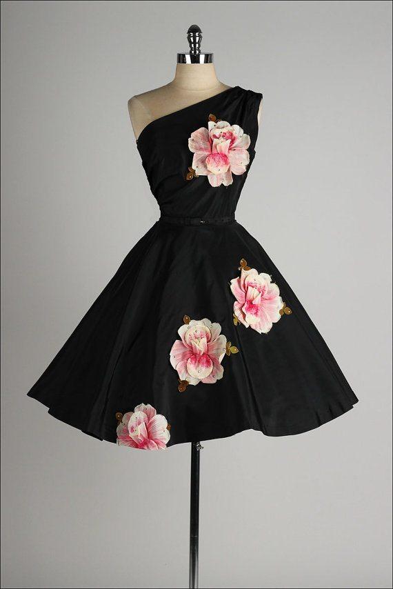 Vintage 1950s Dress: millstreetvintage