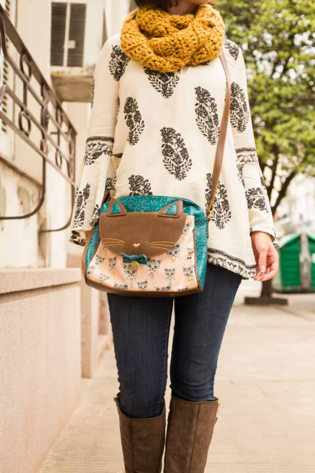 ModCloth cat bag