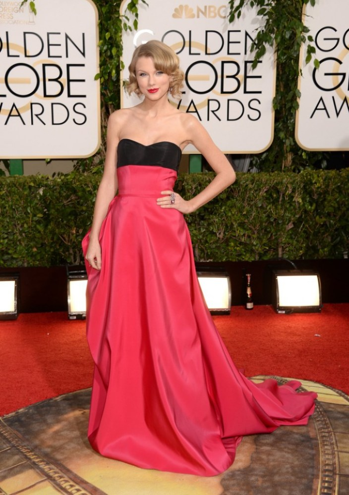Taylor Swift in Carolina Herrera.