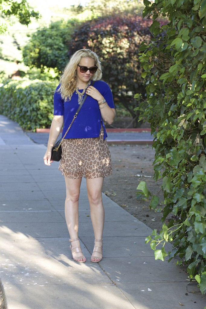 crop top, cobalt crop top, animal print, layering, work appropriate outfit, vintage gucci, vintage chanel