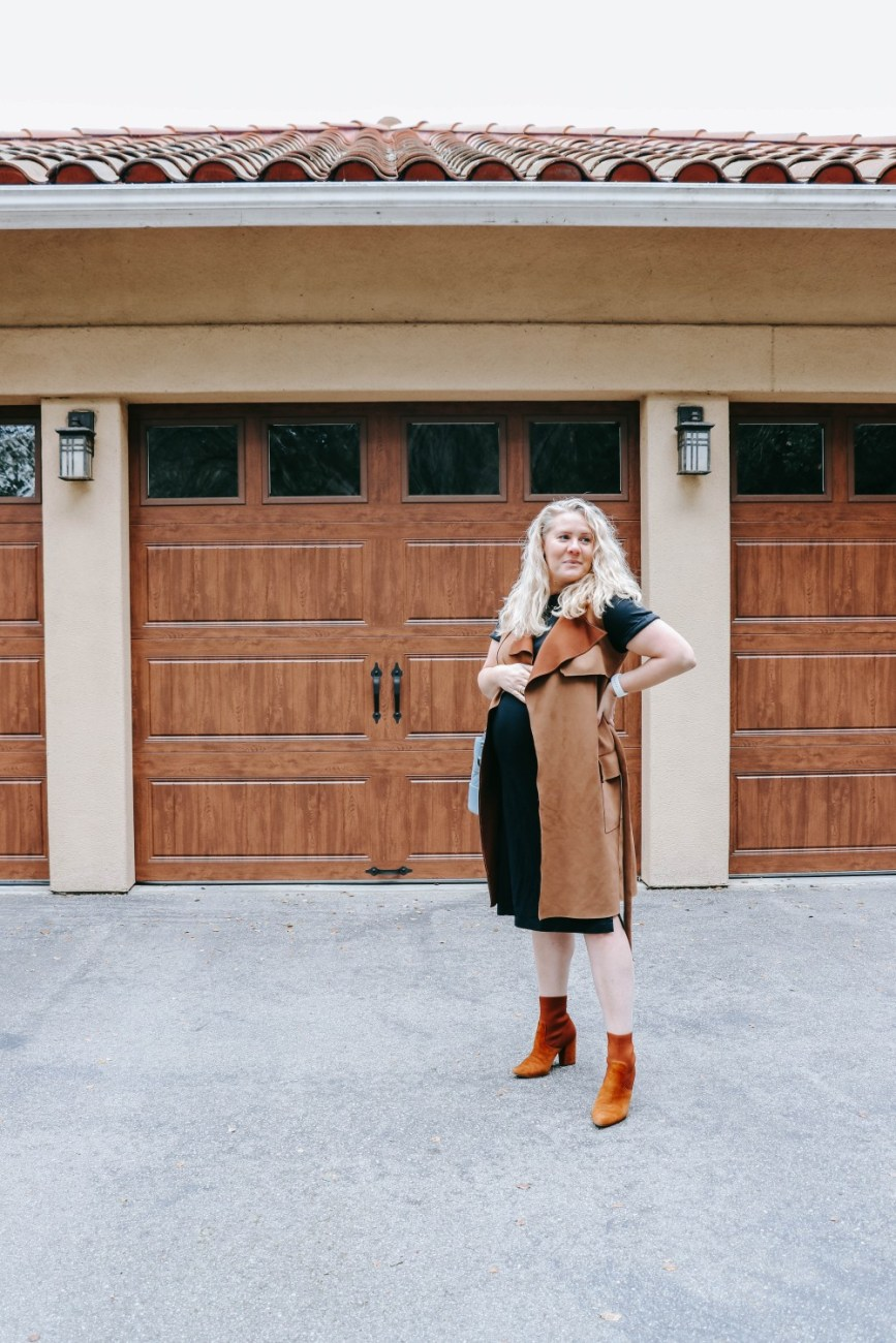 Workwear outfit ideas that are bump friendly.