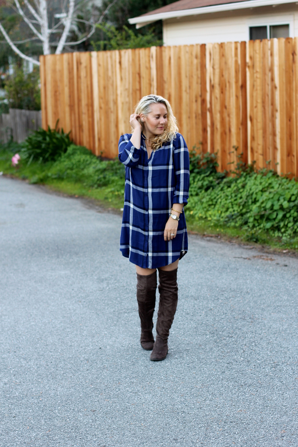 cupcakes-and-cashmere-plaid-shirtdress-outfit-inspiration-fall-fashion-mom-style-have-need-want-3