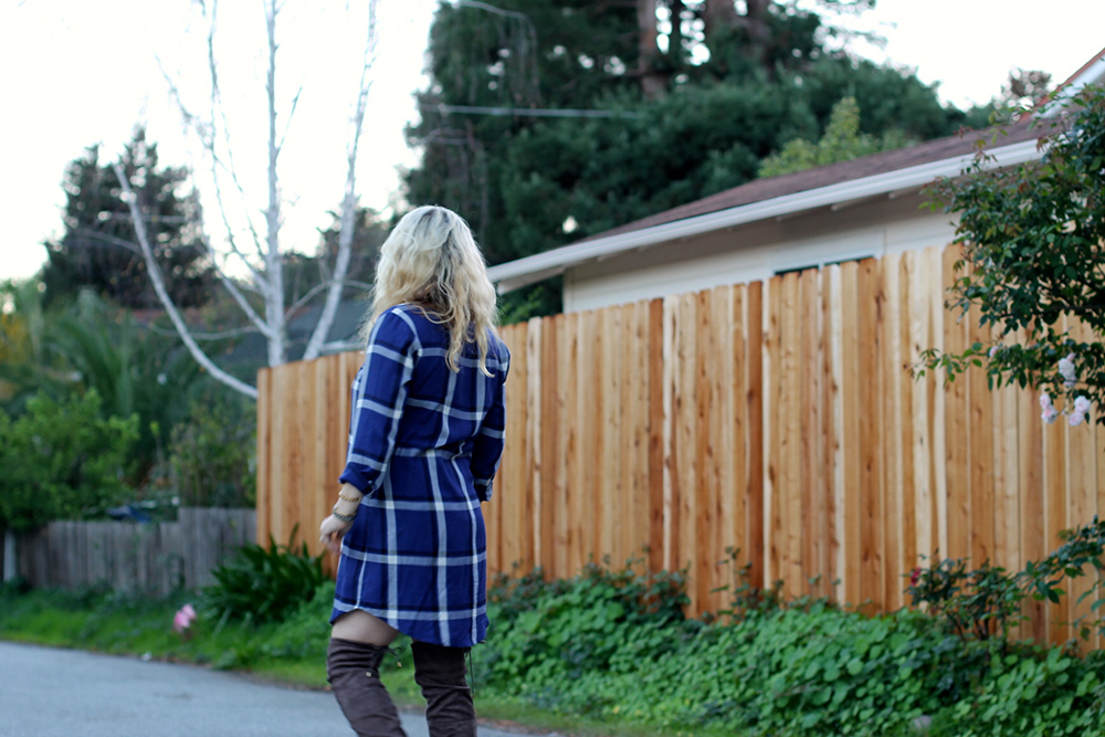 cupcakes-and-cashmere-plaid-shirtdress-outfit-inspiration-fall-fashion-mom-style-have-need-want