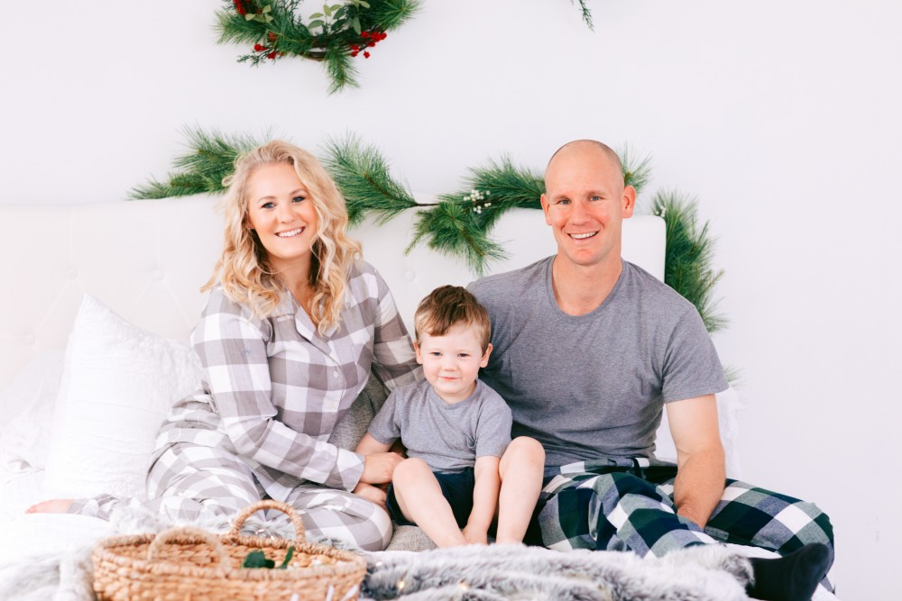 Love our tradition of wearing family holiday jammies! We broke them out early this year to get into the holiday spirit and we'll be wearing them to shop the Black Friday sales from home! Head to the blog for my edited list of Black Friday sales to shop! #blackfriday #holidayjammies #familyjams