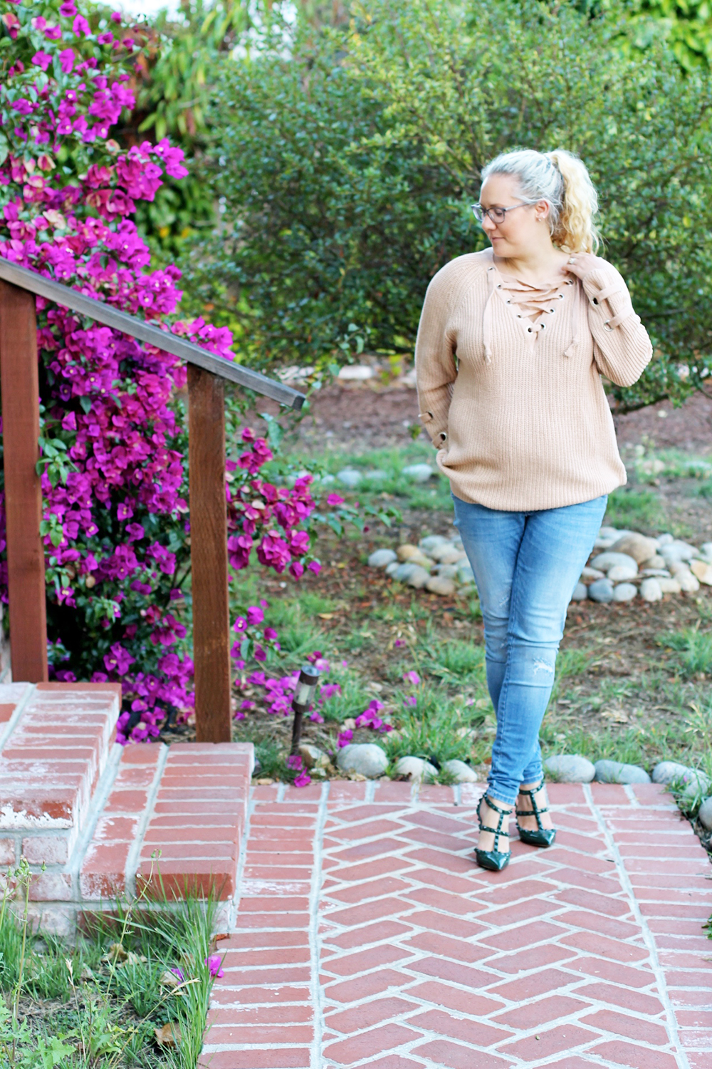 lace-up-sweater-chicwish-outfit-inspiration-mom-style-fashion-blogger-have-need-want-12