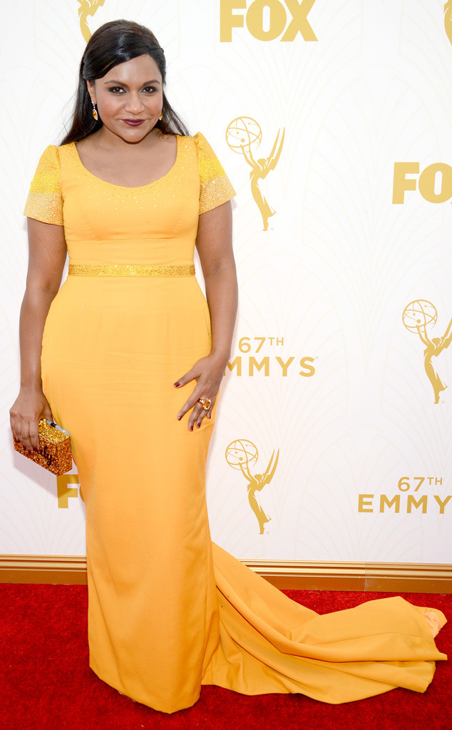 Mindy Kaling-Salvador Perez-Edie Parker Clutch-Emmy's Red Carpet-2015 Emmys-Red Carpet Arrivals-Best Dressed