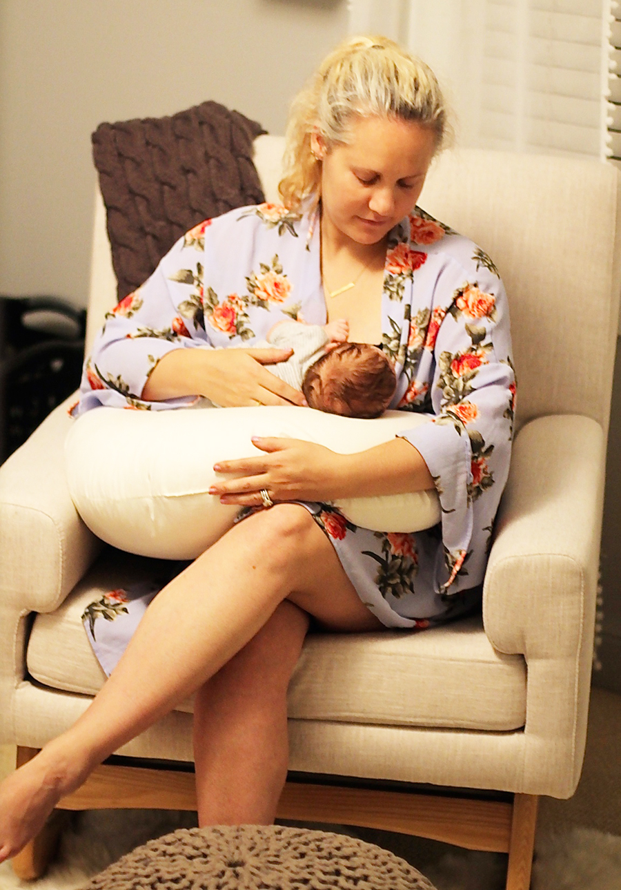 my-breast-feeding-experience-motherhood-life-with-a-newborn-3
