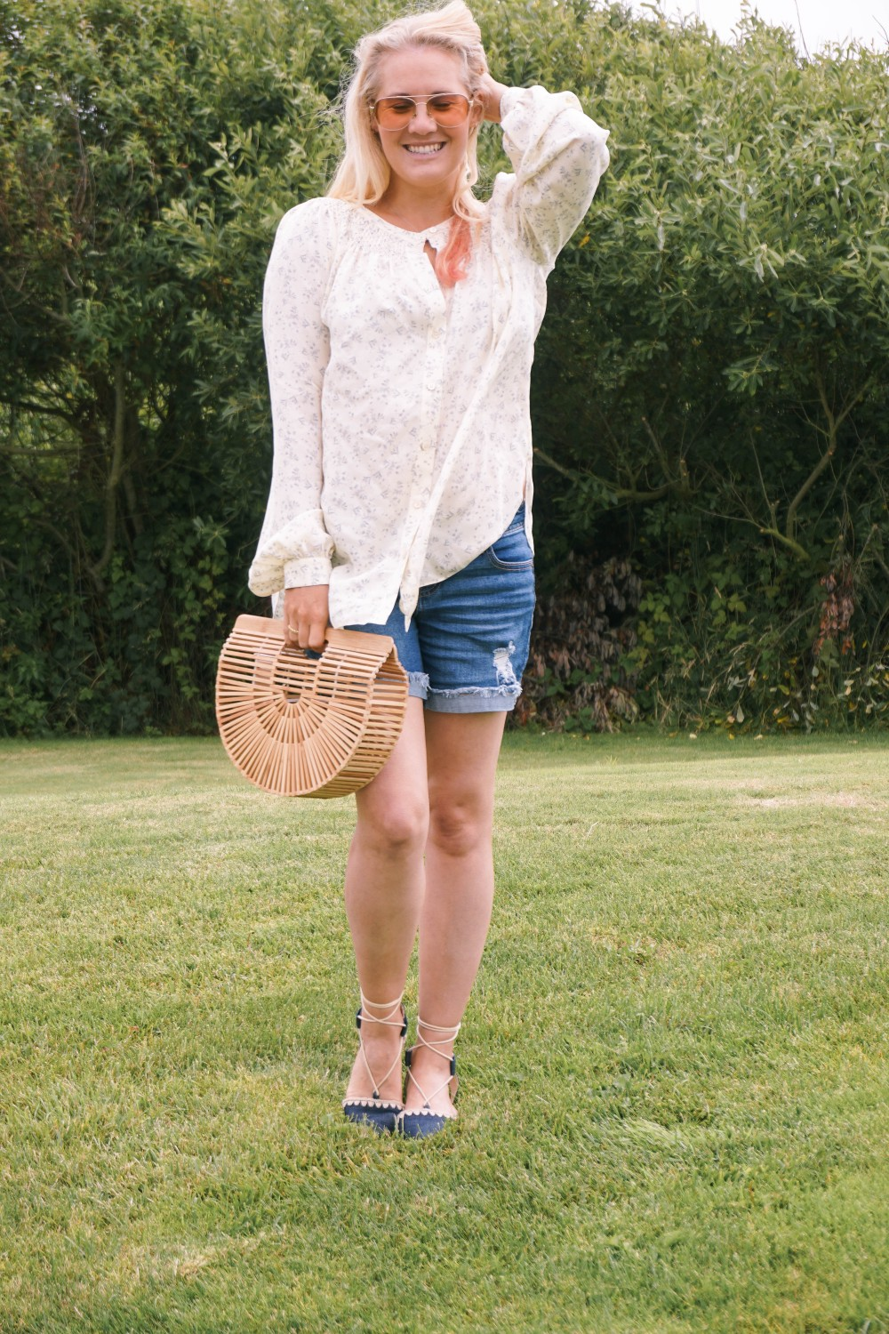 Off Duty Outfit-Daily Outfit Inspiration-Blogger Off Duty-Mom Style-Vince Button Down Blouse-Cult Gaia Bag-Have Need Want 2