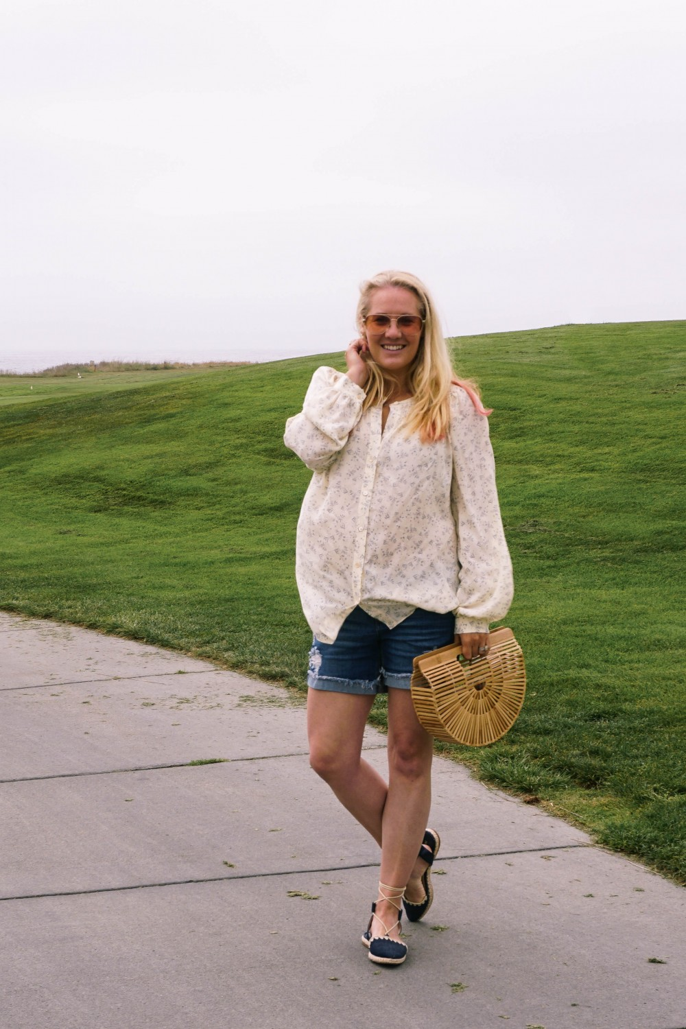 Off Duty Outfit-Daily Outfit Inspiration-Blogger Off Duty-Mom Style-Vince Button Down Blouse-Cult Gaia Bag-Have Need Want 7