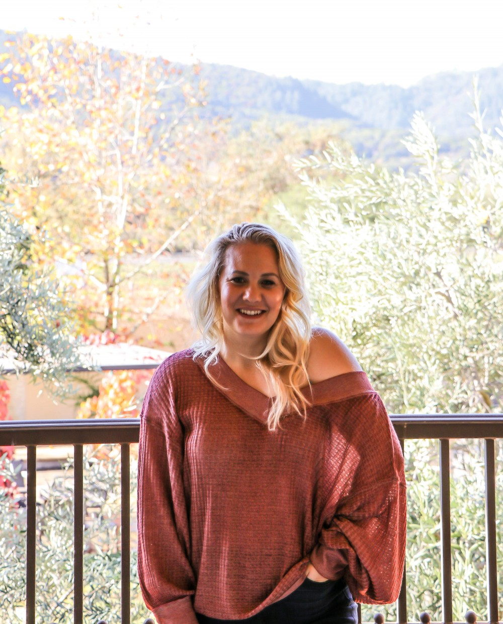 Oversized One Shoulder Free People Sweater You Need in Your Closet! Click on the photo to read the post! | Have Need Want #freepeople #freepeoplesweater #thermaltop #oversizedthermaltop #casualstyle #casualoutfitinspo