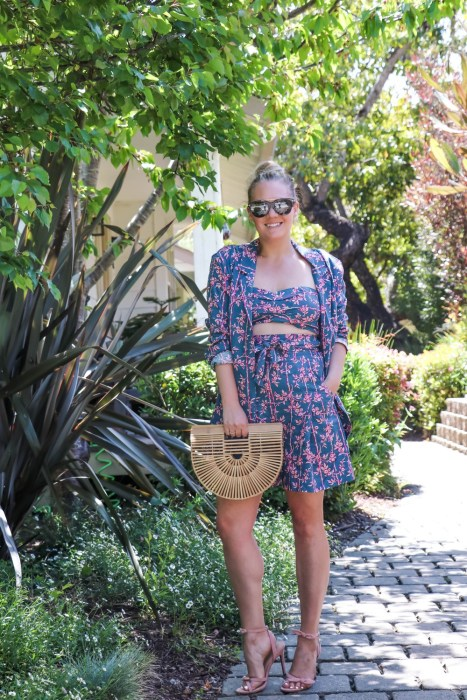 Sharing multiple ways that you can style a three-piece set to get the most bang for your buck! Also sharing my tips for taking a matching set and making it super versatile. Head on over to the post to check it out and get my styling tips! #springstyle #springoutfit #threepieceset #matchingsets #freepeople #summerready
