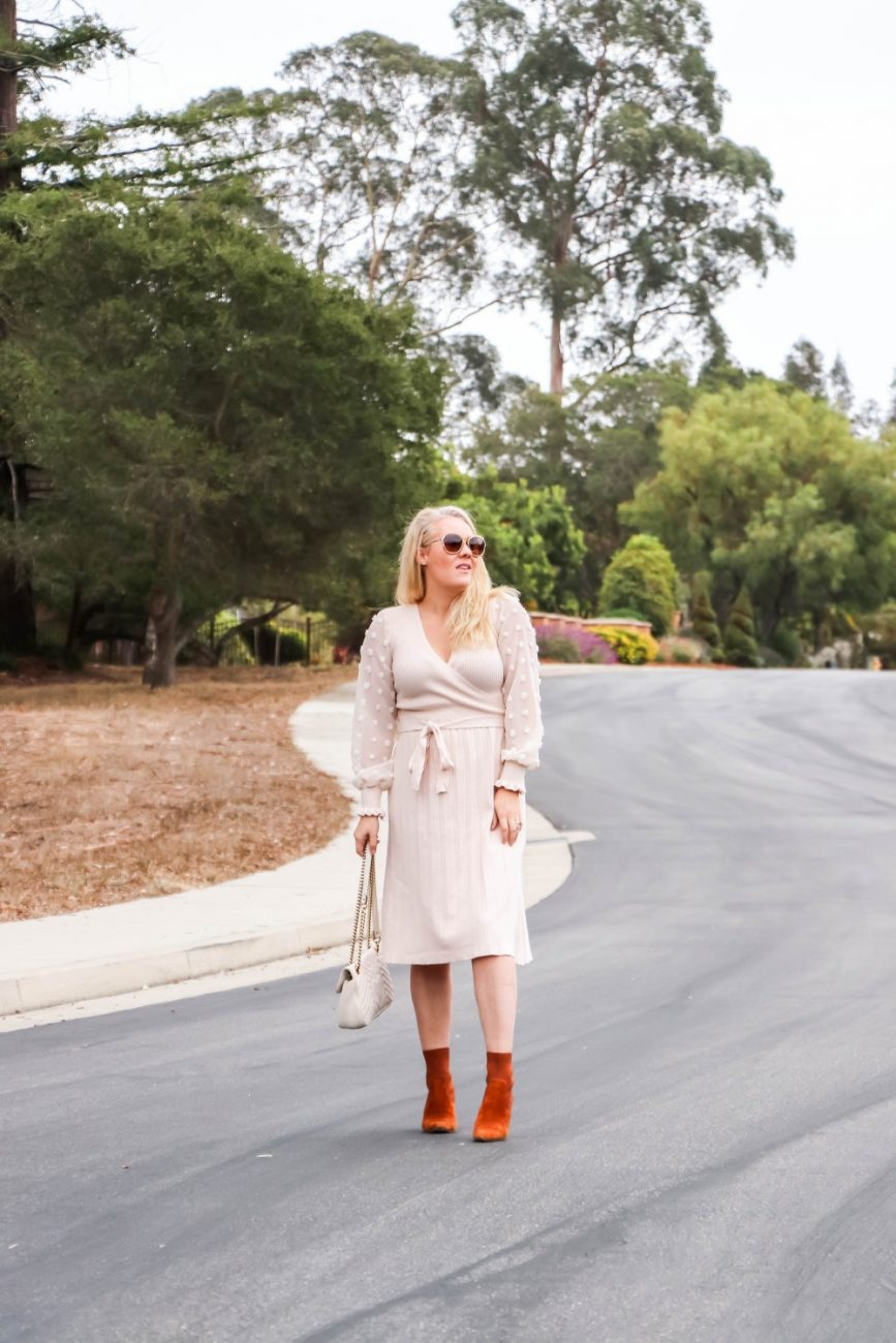 Pretty sheer sleeve details on this sweater dress, perfect for Thanksgiving! Head over to the blog post to check out the full look + get some additional styling tips. #sweaterdress #amazonfashion #thanksgivingstyle #thanksgivingoutfit