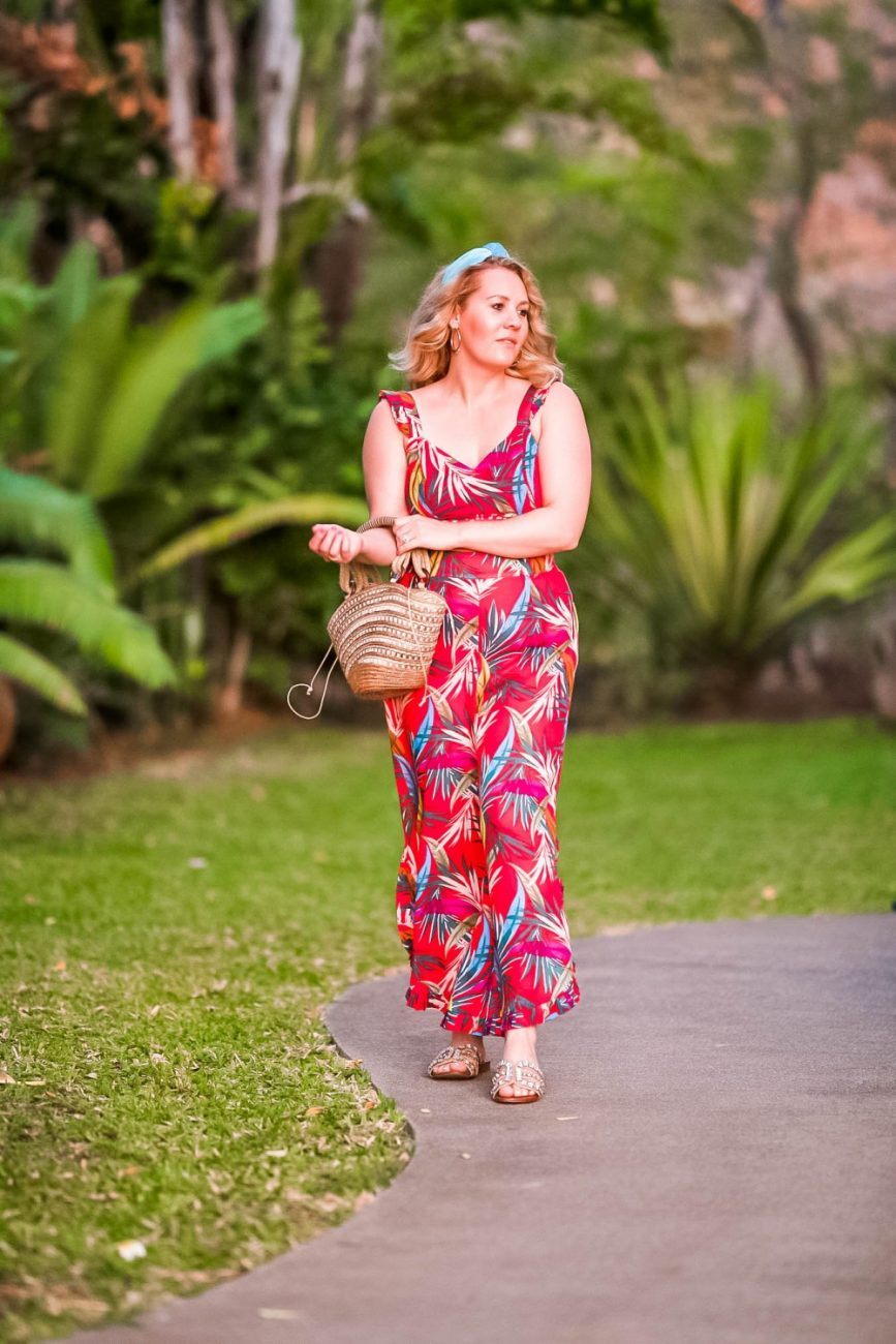 Sharing the best tropical two piece sets on Have Need Want! Click on over to the post to check them out plus get my outfit details! #matchingsets #twopiecesets #tropicalvacation #vacationstyle #summerstyle #outfitinspiration
