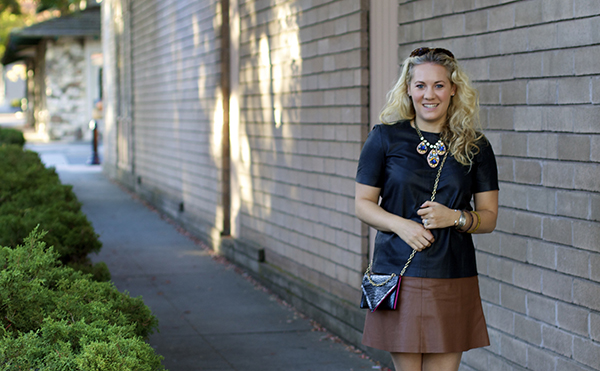 neutral outfit, black and brown, not to basic basics, fashion blogger, Outfit inspiration, Convertible Bag