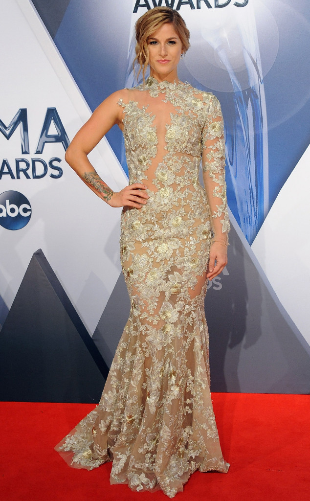 rs_634x1024-151104150940-634.Cassadee-Pope-CMA-Awards.jl.110415