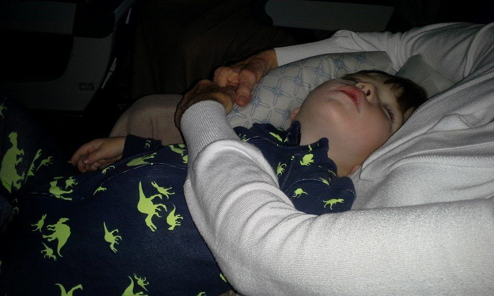 Helping babies, toddlers, and kids with jet lag