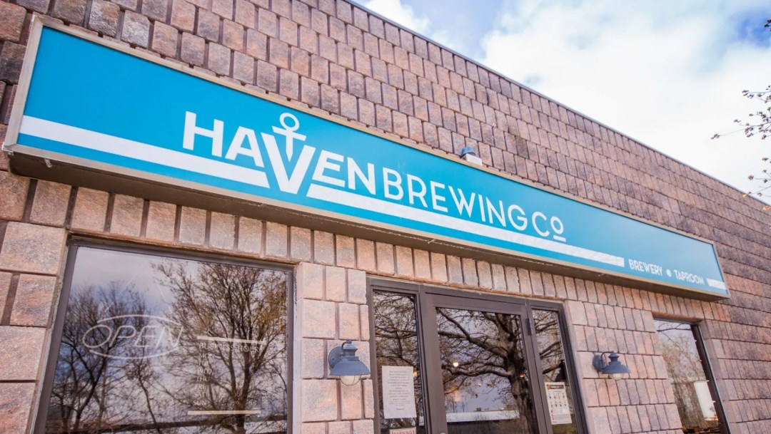 Picture of blue Haven Brewing Co sign outside