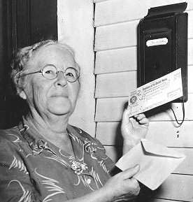 Ida May Fuller, the first recipient