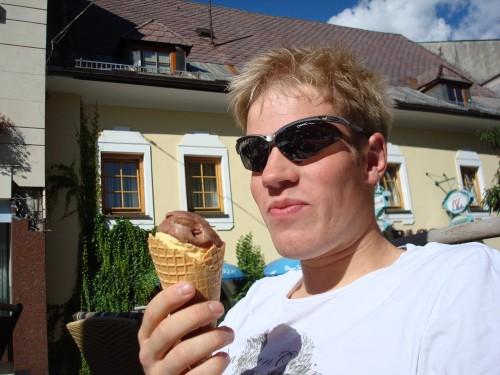 Sommertemperatur og en is. Foto: Øystein Kvaal Østerbø