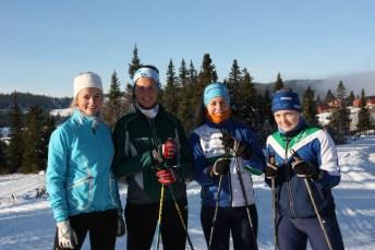 Ingjerd, Ina, Agnete og Silje på tur