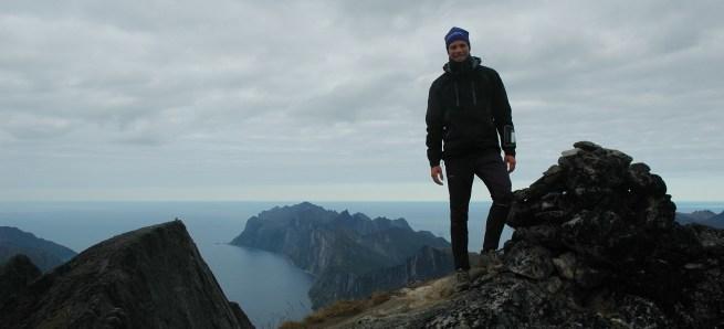 Jeg på toppen av Senja: Breidtinden.