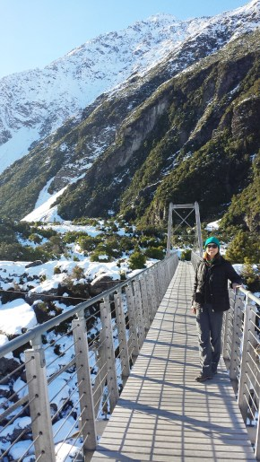 hooker-valley-suspension-bridge-e
