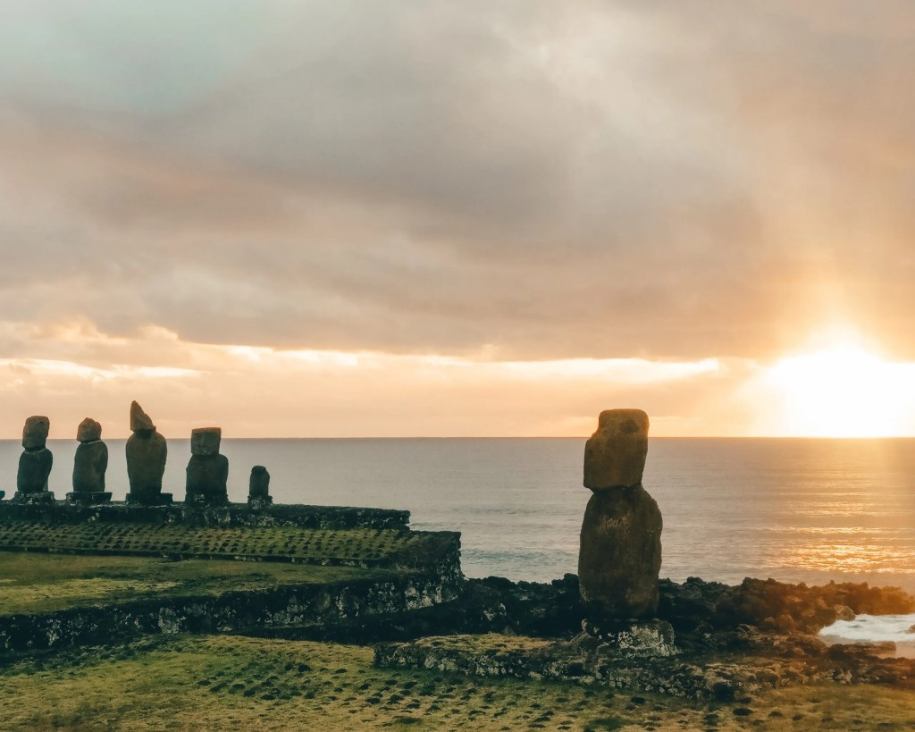 Ahu Tahai moai statues.