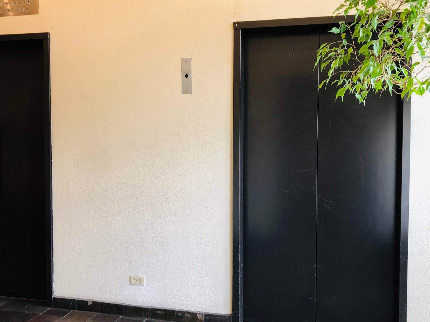 Iolani Court Plazaのエレベーター
