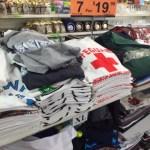 ばら撒きTシャツ値段比べABCマートvsお土産屋さんどっちが安い??