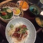 ワイキキで日本食がたべたくなったら、吉屋のランチがお勧めです。