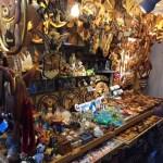 ハワイの民芸品が買える、狭い路地デュークス レーン 【Dukes Lane】がお勧めな理由とは。