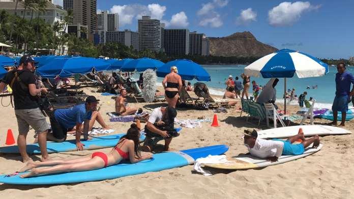 Surfen lernen in Hawaii mit Betty Taube