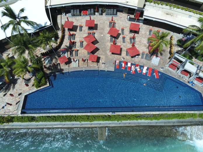 Sheraton Hotel Waikiki - Infinity Pool