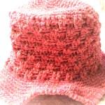 かぎ針で編めるエースの赤い帽子♫初めてでも簡単に編めますよ♪