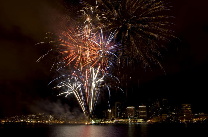 Oahu Fireworks Dinner Cruise