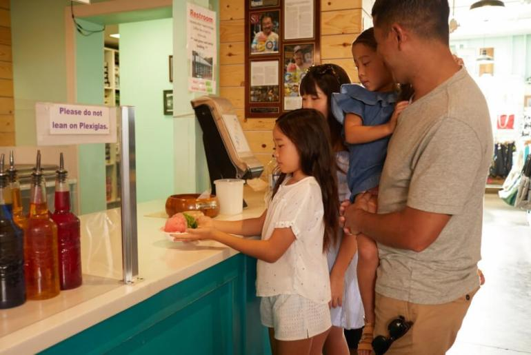 Your Complete Family Guide to Oahu with Kids featured by top Hawaii travel blog, Hawaii Travel with Kids: Matsumoto's Shave Ice is one of the most popular shave ice spots on Oahu