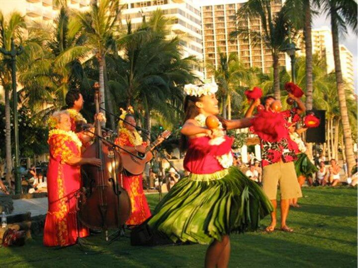 Top 6 Free Things to Do on Oahu featured by top Hawaii blog, Hawaii Travel with Kids: Catch a free hula show in Waikiki at Kuhio Beach on Oahu