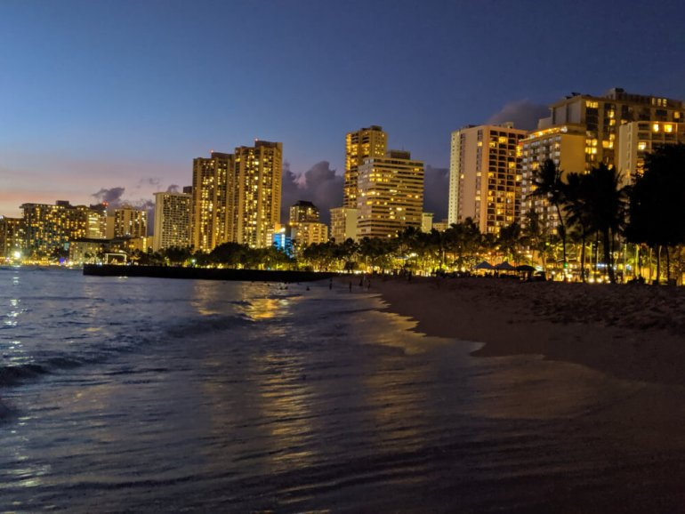 4 Days in Oahu: a Complete Travel Guide for your Next Family Vacation on a Budget, featured by top Hawaii travel blog, Hawaii Travel with Kids: Waikiki at night, Oahu