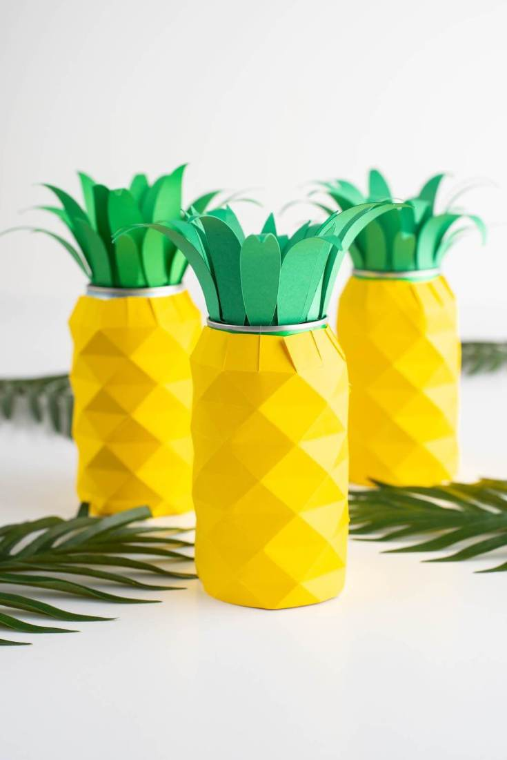 Hawaiian luau decorations: pineapple centerpiece by top Hawaii blog Hawaii Travel with Kids
