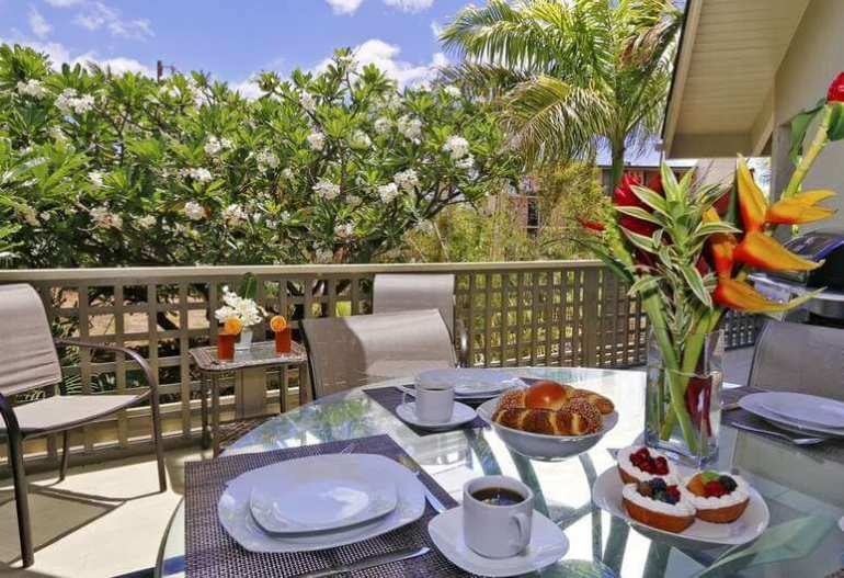 Top 10 Best Bed and Breakfasts in Maui featured by Hawaii blog, Hawaii Travel with Kids: Wailea Inn, Kihei, Luxury Penthouse, 6 Bedrooms (5 Queen & 2 King or 5 Queen & 4 Twin) 5 bathrooms and 2 half bathroom, Terrace/Patio