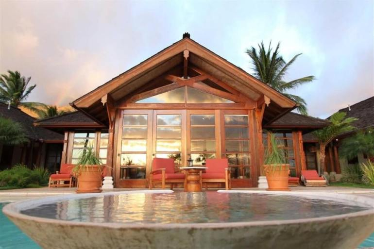 Top 5 Best Maui Boutique Hotels featured by top Hawaii blog, Hawaii Travel with Kids: Ho'oilo House is a top Maui boutique hotel