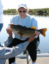 82 yr old Grandma with 8.2 lb Everglades bass