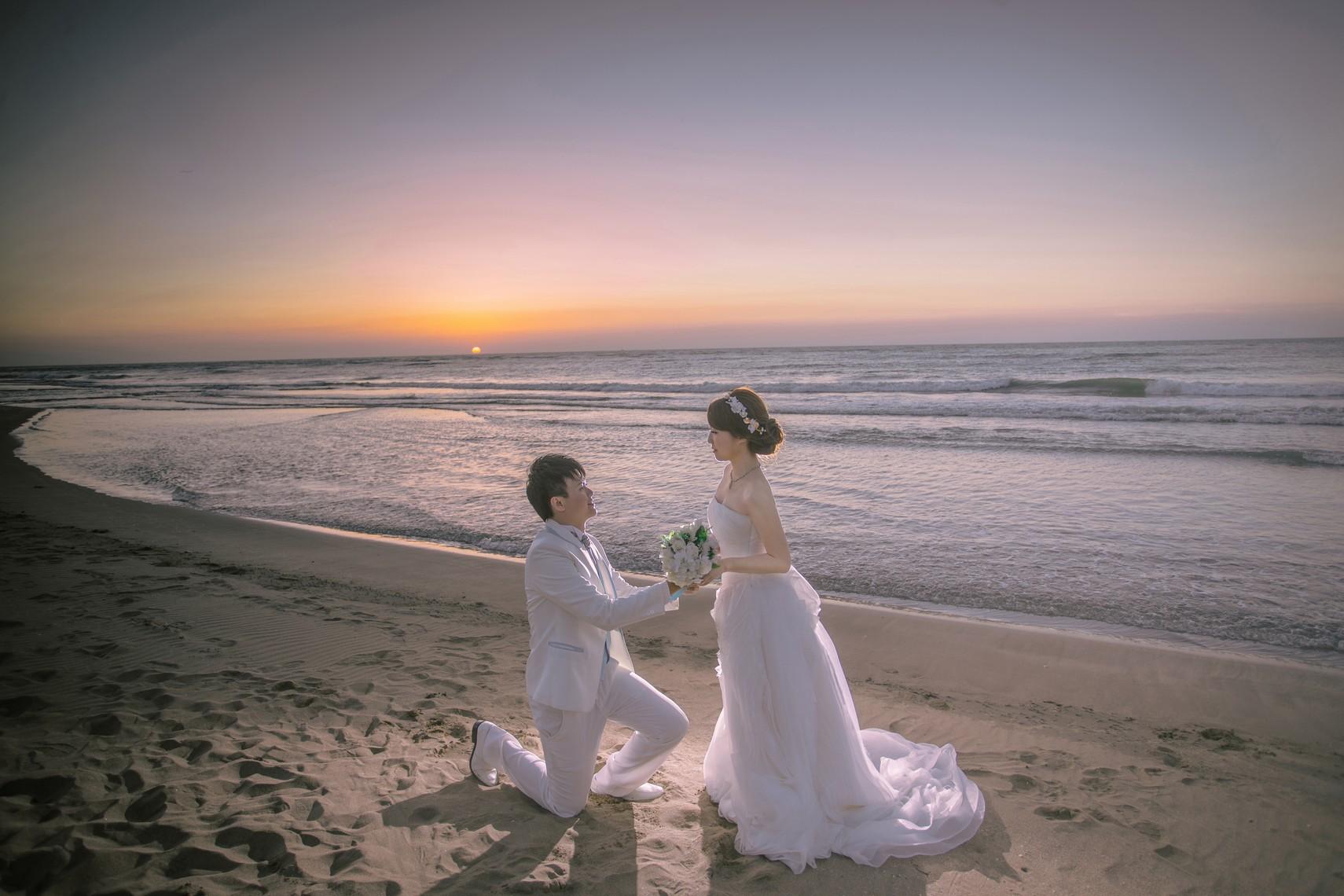 夕陽沙灘婚紗照-台北婚攝Hawk