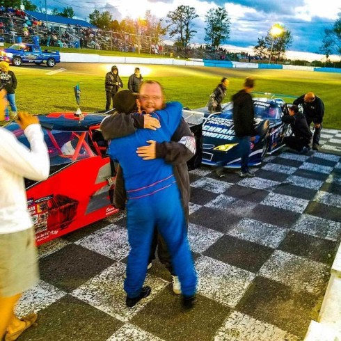 Tyler & Daniel Hawn Celebrate in Victory Lane at Peterborough Speedway 2017