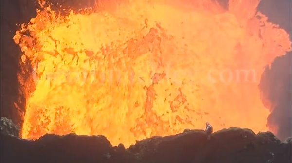 The most incredible volcano video