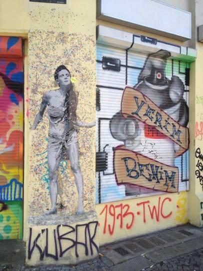Kreuzberg de bir duvar sanatı