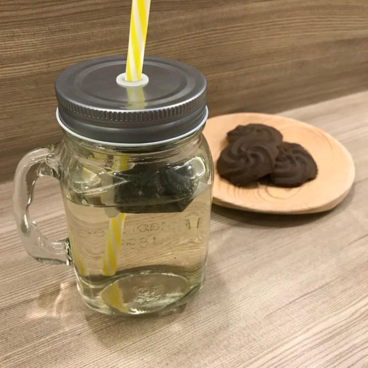 台灣茶人-辦公室正能量玫瑰綠茶 四角茶包簡單好沖泡,休息一下,給自己一點空間吧~ 健康養身 宅配食記 攝影 飲食集錦